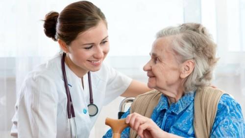 dịch vụ chăm sóc người già tại nhà uy tín